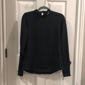 long sleeved under amour shirt